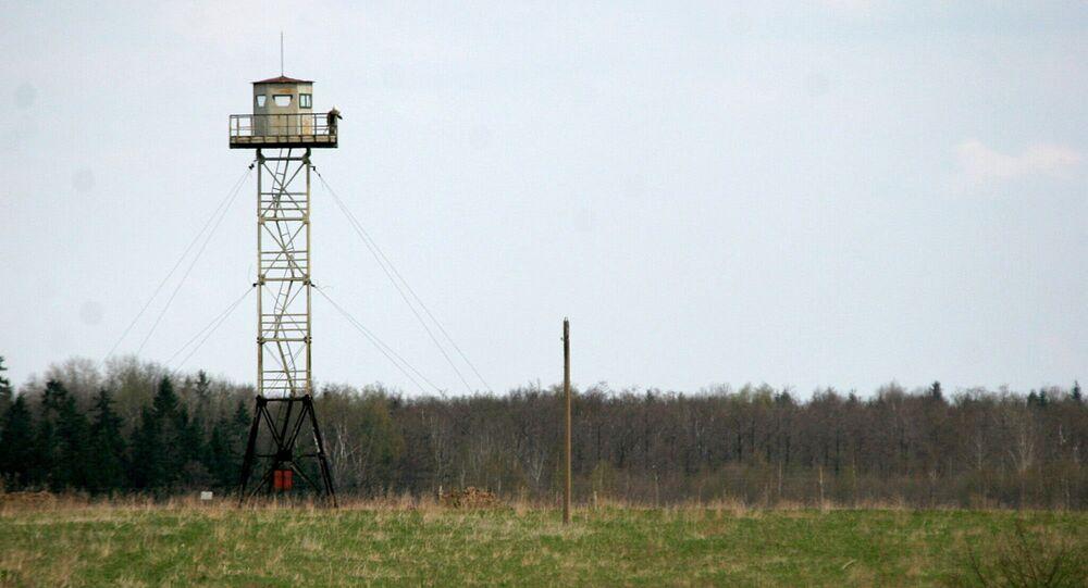 A Russian watchtower overlooks the disputed territories close to Pitalova region, near Vilaka, Latvia. (File)