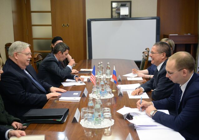 Russian Economic Development Minister Aleksei Ulyukaev meets with US Ambassador John Tefft