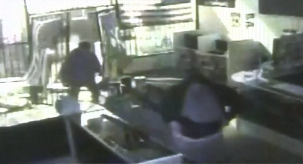 WATCH: Dozens of Guns Stolen in Seconds in Insane Crash-and-Grab