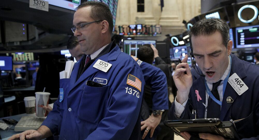 Dow dips below 20,000 on virus fear, turns higher later