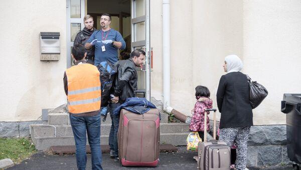 Migrants arrive at a refugee reception centre in Tornio, Finland (File) - Sputnik International