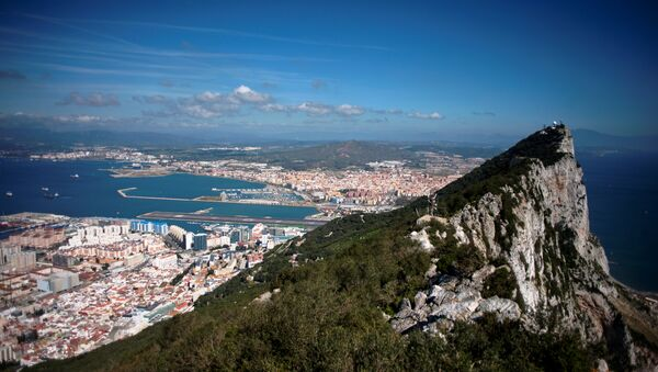 A picture taken on March 17, 2016 shows the Rock of Gibraltar with Spain in background. - Sputnik International