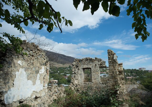 Ruins of a building in the town of Gadrut