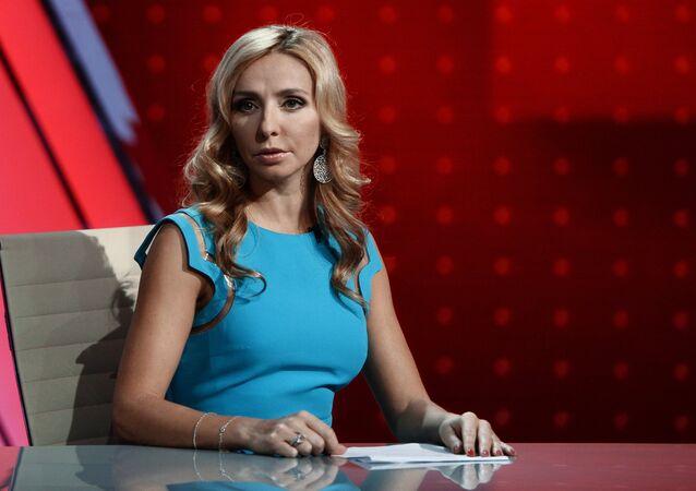 TV hostess, Olympic figure skating champion Tatyana Navka prepares for the shooting of a new Match TV program