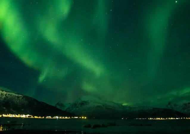 Emerge of the Northern Lights