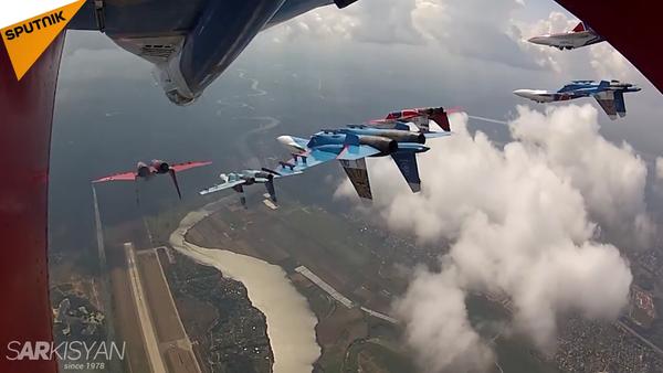 Legendary Russian Knigts: 25 Years of Aerobatic Excellence - Sputnik International