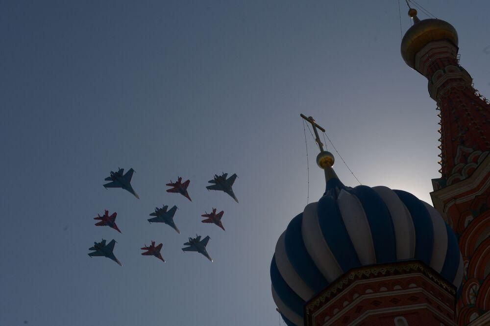 Top Class Aerobatics of Russian Knights