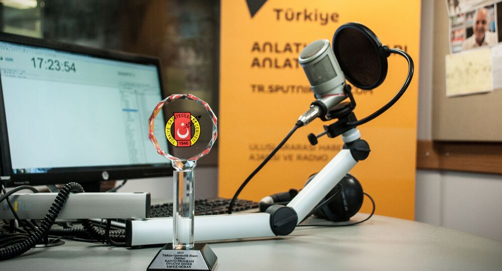 "Radio Sputnik's evening program has received an award from the Turkish Journalists' Association ""For Advances in Journalism."""