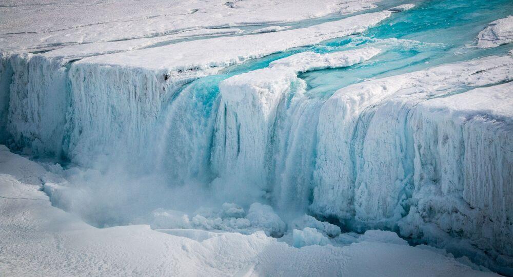 Edited ESA image of the cracking Nansen ice shelf