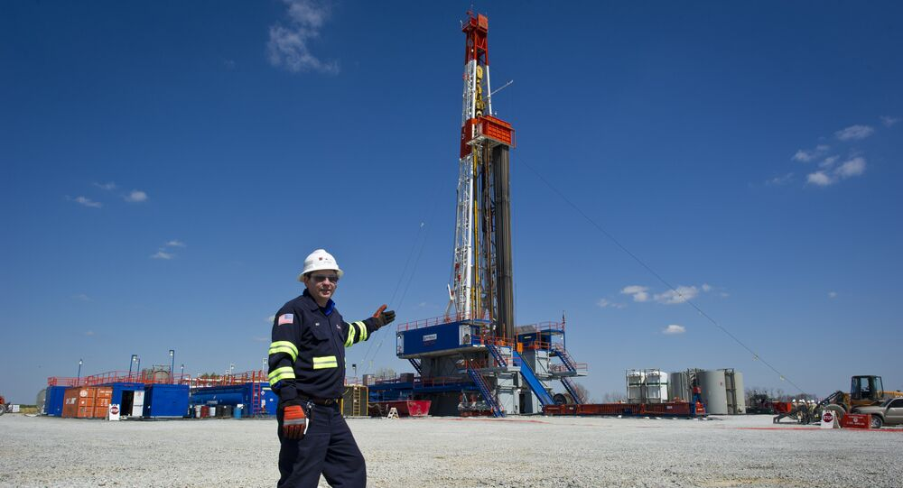 Horizontal Gas Drilling Rigs (File)