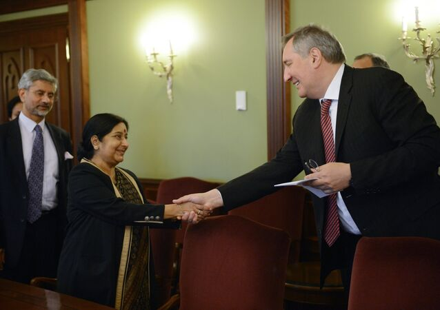 Russian Vice-Prime Minister Dmitry Rogozin meets with Indian Foreign Minister Sushma Swaraj.