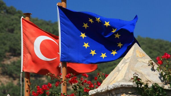 Turkish and EU flags - Sputnik International