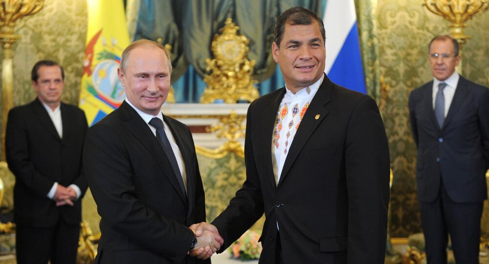 Vladimir Putin holds talks with Rafael Correa