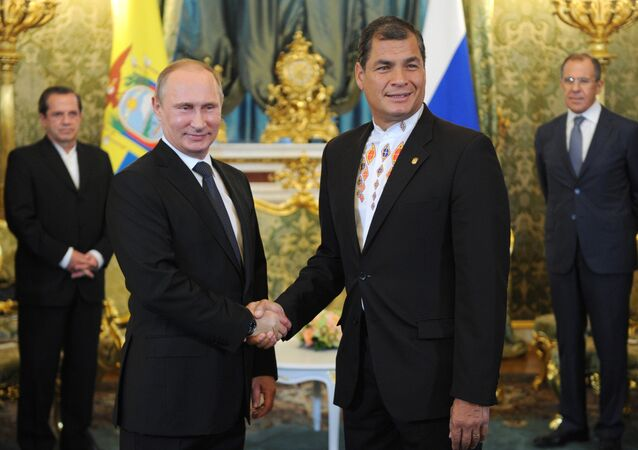 Vladimir Putin holds talks with Rafael Correa