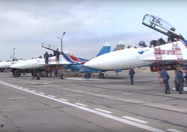 Top Class Pilots Get Ready for Victory Day Parade in Moscow
