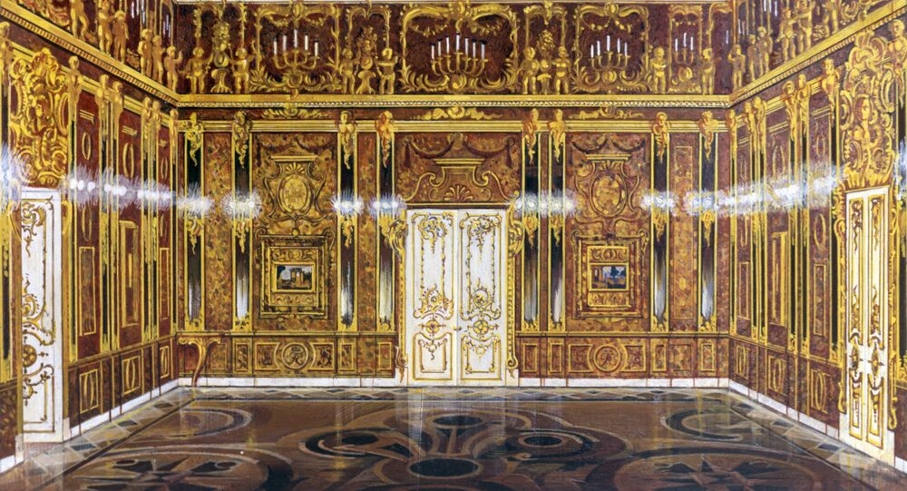Reproduction of the model of the Amber Room