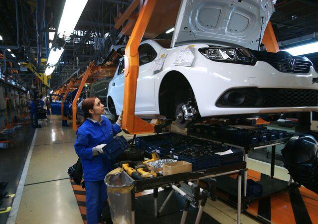 AvtoVAZ launches Lada X-Ray production in Samara