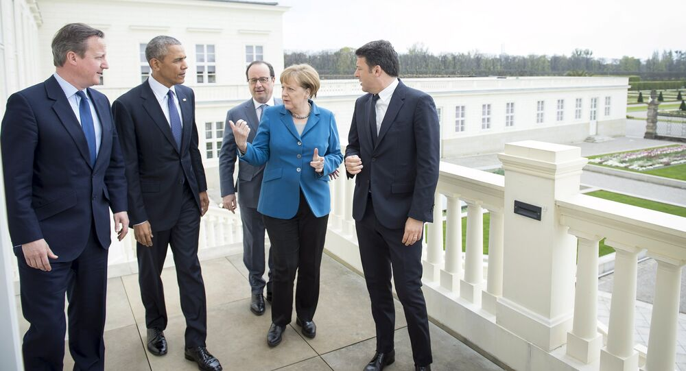 German Chancellor Angela Merkel (2nd R) stands with British Prime Minister David Cameron, U.S. President Barack Obama, French President Francois Hollande and Italian Prime Minister Matteo Renzi before talks at Schloss Herrenhausen in Hanover, Germany April 25, 2016