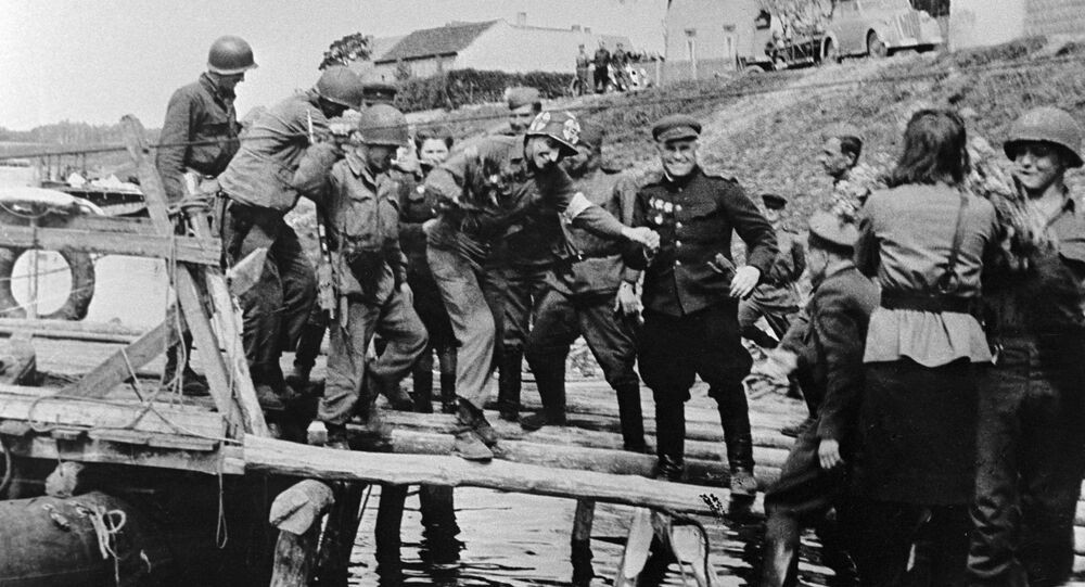 Soviet and American soldiers meet on Elbe