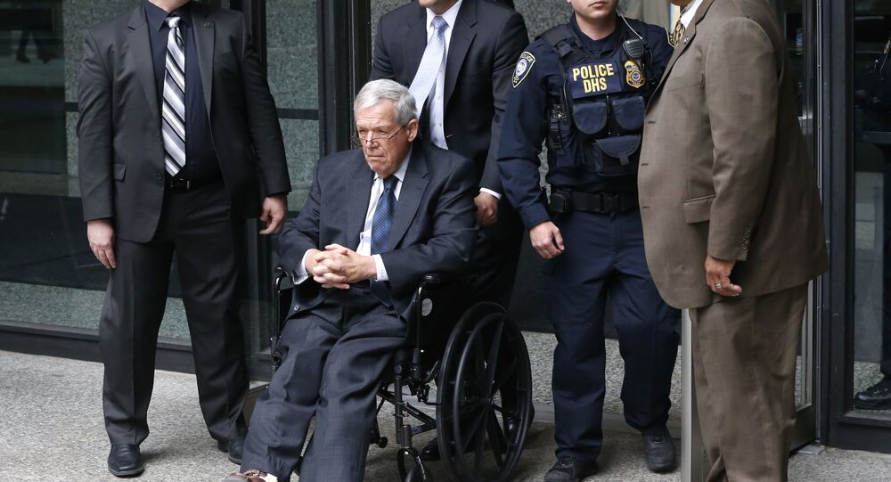 Hastert to Become One of Highest-Ranking US Politicians to See Inside of Prison Cell