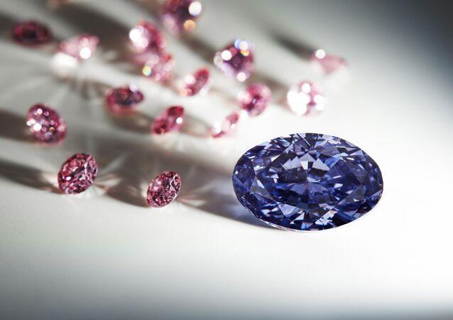 Violet diamond