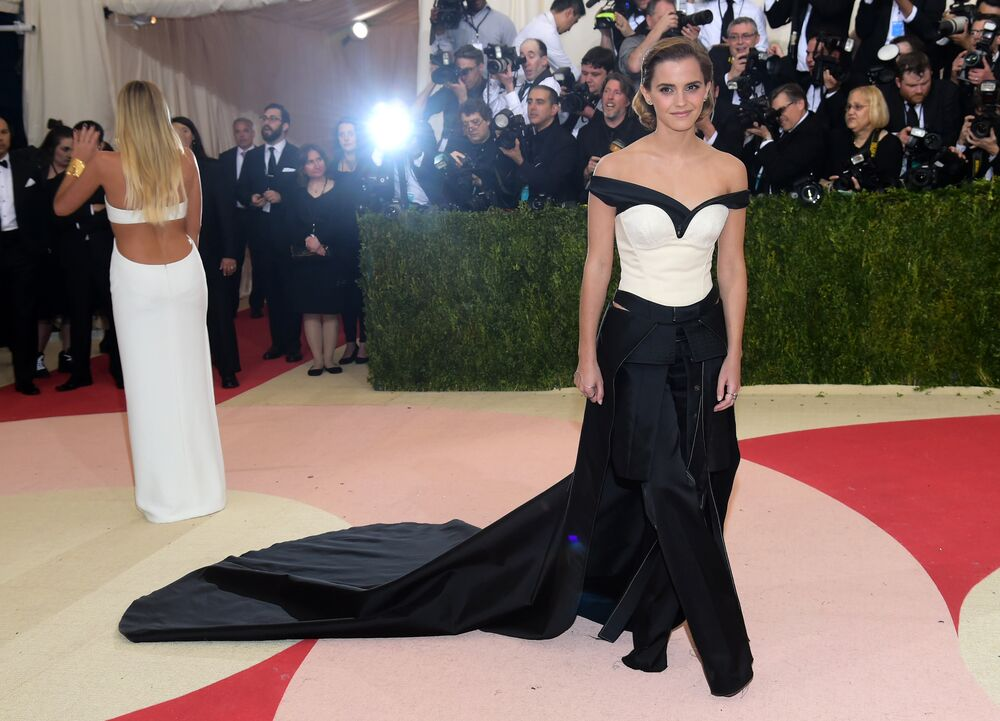 Emma Watson arrives at The Metropolitan Museum of Art Costume Institute Benefit Gala, celebrating the opening of Manus x Machina: Fashion in an Age of Technology on Monday, May 2, 2016, in New York