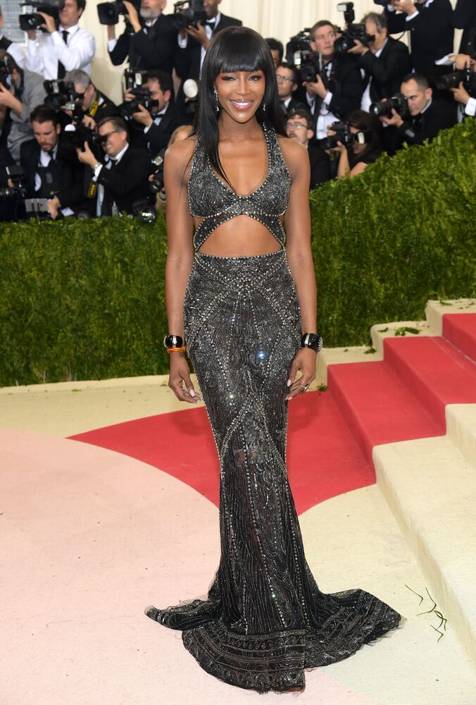 Naomi Campbell arrives at The Metropolitan Museum of Art Costume Institute Benefit Gala, celebrating the opening of Manus x Machina: Fashion in an Age of Technology on Monday, May 2, 2016, in New York