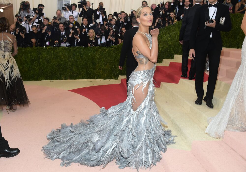 Rita Ora arrives at The Metropolitan Museum of Art Costume Institute Benefit Gala, celebrating the opening of Manus x Machina: Fashion in an Age of Technology on Monday, May 2, 2016, in New York