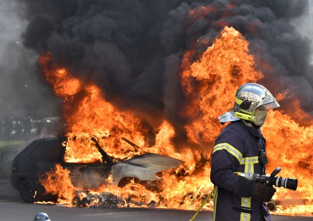 French strikes against labor reforms