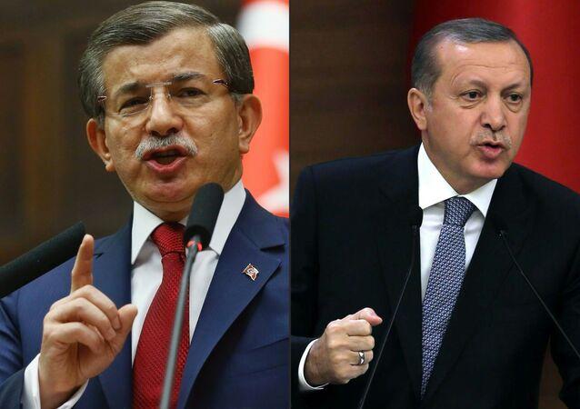 Ahmet Davutoglu and  Tayyip Erdogan (File)