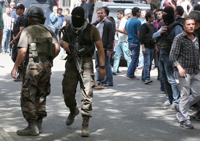 Members of the Turkish police special forces secure a street (File)