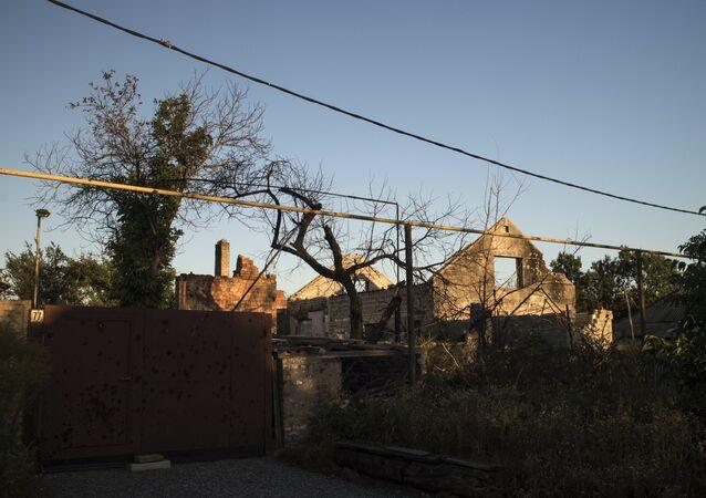 Vesyoloye village in Donetsk Region
