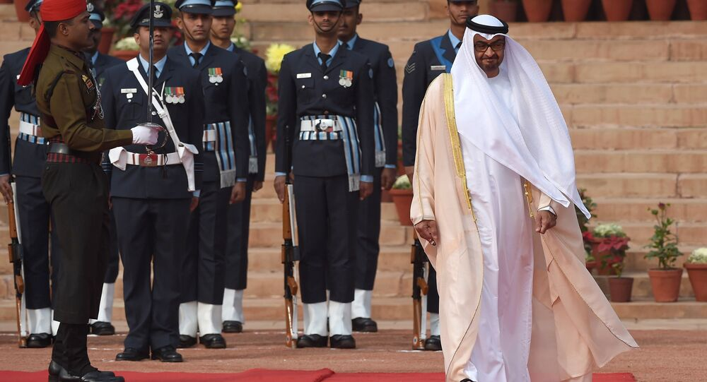 Abu Dhabi's Crown Prince Sheikh Mohammed bin Zayed al-Nahyan (R) inspects a guard of honour during a ceremonial reception at the presidential palace in New Delhi. (File)
