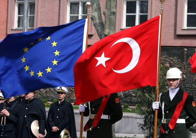 A Turkish guard of honor hold a EU and a Turkish flag (File)