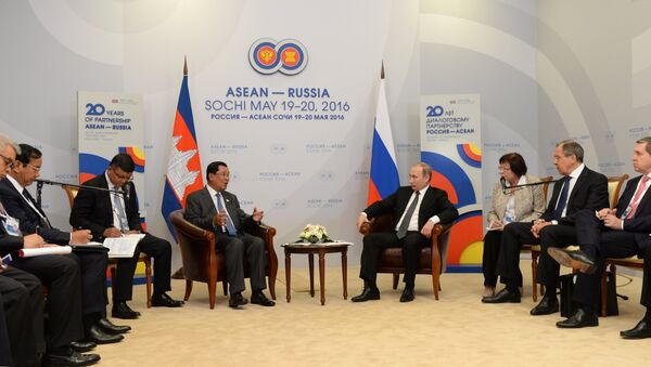 President Vladimir Putin meets with Prime Minister of Cambodia Hun Sen - Sputnik International