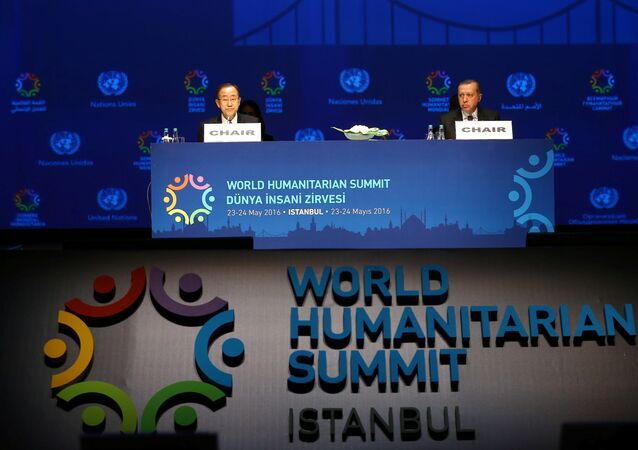 Turkish President Tayyip Erdogan (R) and U.N. Secretary-General Ban Ki-moon are pictured during the opening session of the World Humanitarian Summit in Istanbul, Turkey