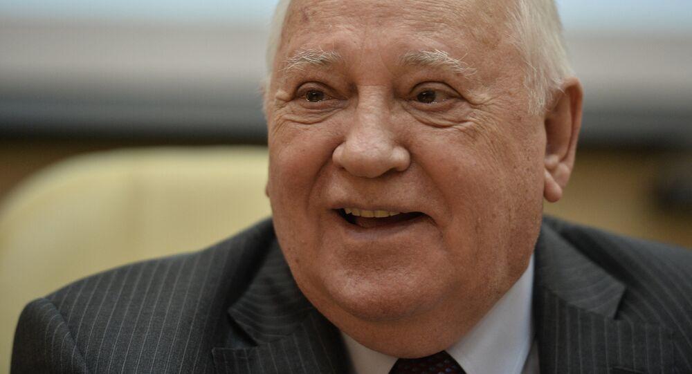 Presentation of Gorbachev in Life book