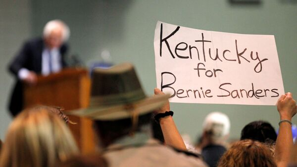 Democratic presidential candidate Bernie Sanders addresses the crowd during a campaign rally at Heritage Hall in Lexington, Kentucky, U.S. May 4, 2016 - Sputnik International