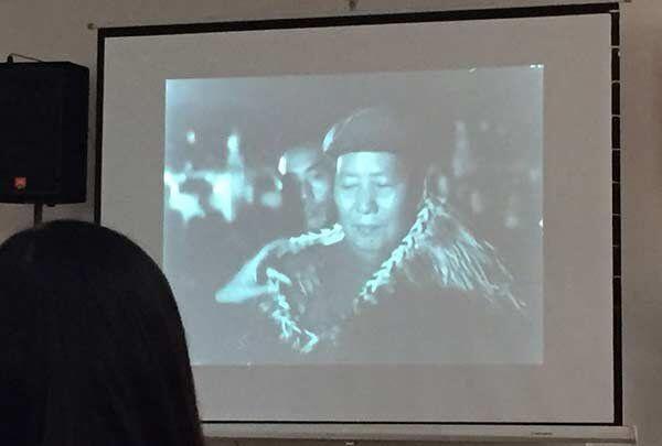 Mao Zedong wears Maori cloak in the documentary Inside Red China
