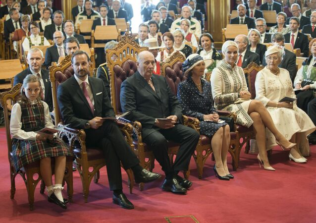 (From R to L) Norway`s Princess Astrid, Crown Princess Mette-Marit, Queen Sonja, King Harald, Crown Prince Haakon and Princess Ingrid Alexandra are seated inside the Norwegian parliament building in Oslo on May 15, 2014, during a celebratory session on the occasion of the bicentenary of the Norwegian Constitution