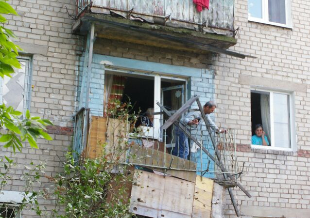 Destructions in a residential house of Donetsk following a night bombardment by the Ukranian army.