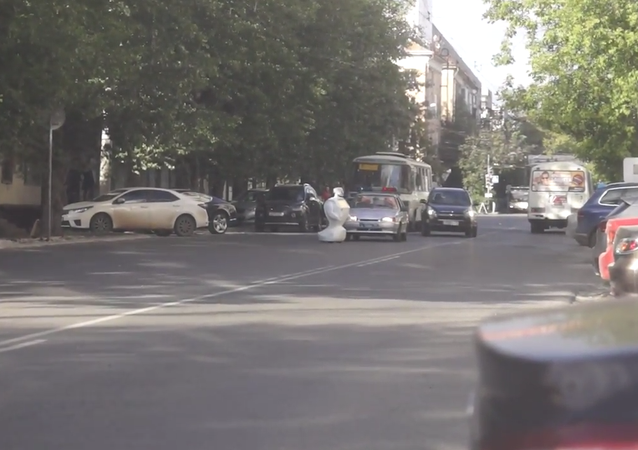 Robot Escapes Testing Grounds, Causes Traffic Jam in Russia's Urals