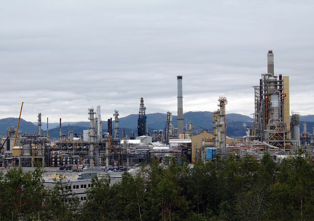 An overview of the Mongstad oil refinery in western Norway, the most polluting of the country (file)