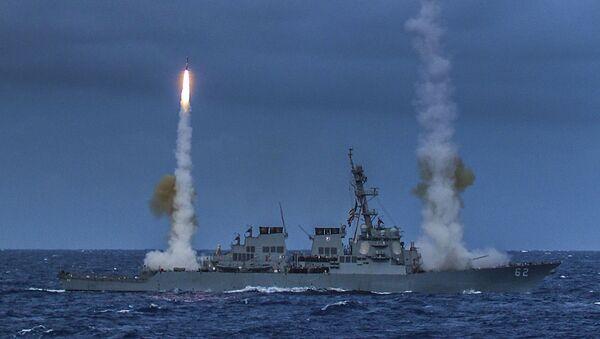 The guided-missile destroyer USS Fitzgerald (DDG 62) fires two SM-2 missiles during exercise Valiant Shield 2014. - Sputnik International