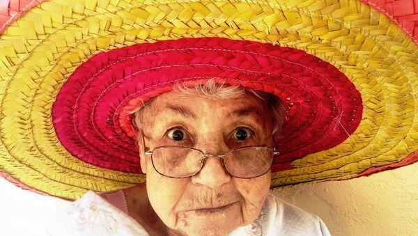 A woman wearing a sombrero - Sputnik International