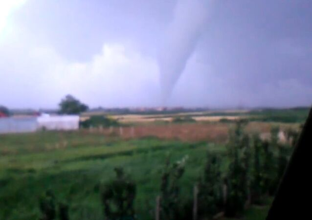 Funnel Cloud Spotted Over Pancevo
