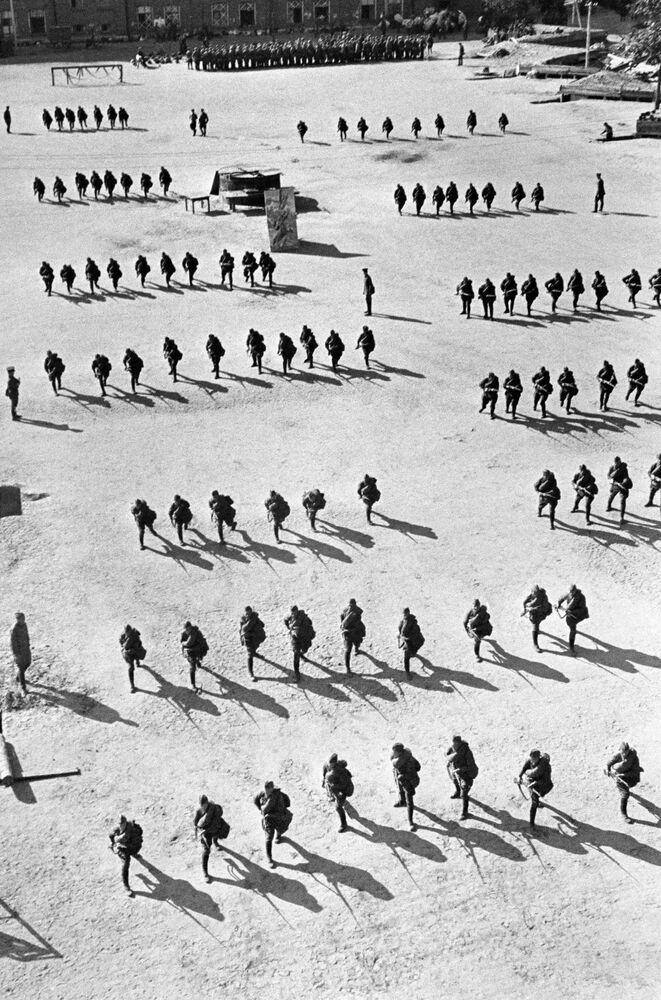Remembrance Day: Photos Capture the Start of the Great Patriotic War
