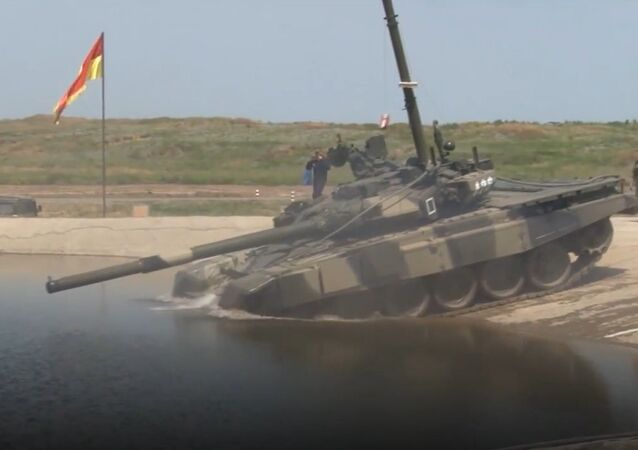 Diving tanks: Russian Army Stages Unique Underwater Drills