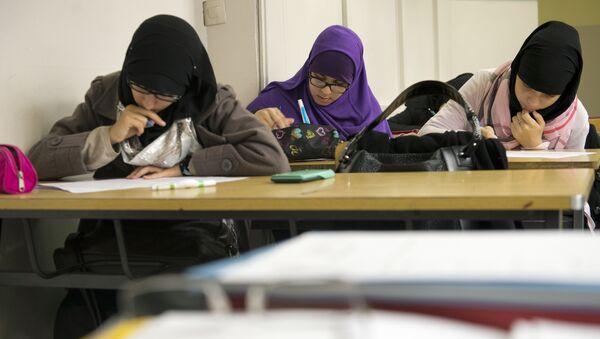 Muslim faithful students (file) - Sputnik International