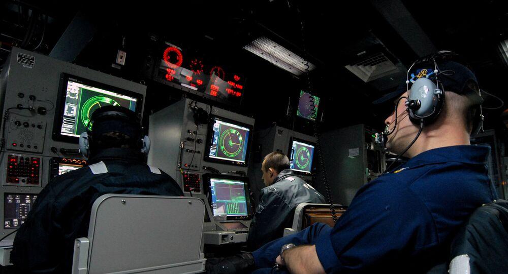 System consols of AN/SQQ-89(V)15 onboard of USS Momsen (DDG-92)